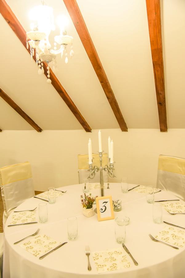 Mala sala za Venčanja, svadbe, rodjendane, krštenja